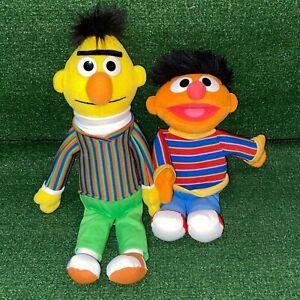 2009 GUND Sesame Street Bert & Ernie Stuffed Plush Figures Toy