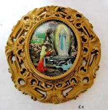 E1 Souvenir de Lourdes - vitre bombée - la Vierge Marie