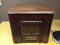RCA Victor Victrola Standard Broadcast Radio Model U115 TableTop Cabinet (MAR10)
