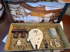 Vintage Disney Star Wars Millenium Falcon Spaceship Kinetic Sand + Case +Figures
