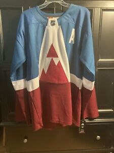 2020 Stadium Series Mackinnon Avalanche Adidas Hockey Jersey NEW !