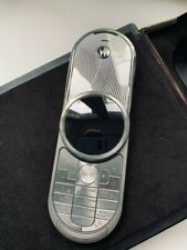 Motorola Aura 2Gb 2G Gsm. Slightly used. Full accessories kit.