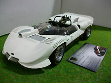 CHAPARRAL 2 street blanc echelle 1/18 fabr EXOTO voiture miniature de collection