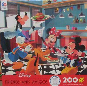 Ceaco 200 Piece Disney Puzzle - FREINDS - Mickey Minnie Donald Goofy Pluto NEW