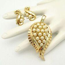 CROWN TRIFARI PAT PEND Vintage Brooch Pin Earrings Faux Pearls Rhinestones 1954