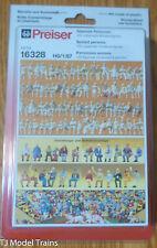 Preiser HO #16328 Seated Persons; 120 unpainted miniature figures