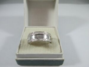WONDERFUL PRE-OWNED, 9ct WHITE GOLD 0.1ct DIAMOND RING UK SIZE N  3g