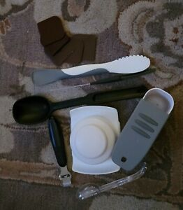 PAMPERED CHEF Cooking Serving Spoon BLACK PLUS OTHER ITEMS ALL NICE CONDITION.