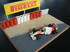 "QSP Diorama Grand Prix Circuit with Sand Pit and Tyre Wall ""Pirelli"""