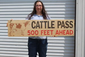 """Large Vintage Cattle Pass 500 Feet Ahead Feed Cow Farm 44"""" Metal Sign"""