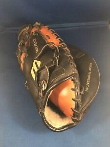 Mizuno MFR C011 Max Flex Catchers Mitt Professional Model RHT Softball Baseball