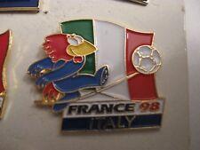 RARE OLD 1998 FRANCE FOOTBALL WORLD CUP ITALY FLAG METAL PRESS PIN BADGE