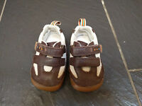 CLARKS FIRST SHOES BROWN CREAM LEATHER TRAINERS SIZE 3.5F