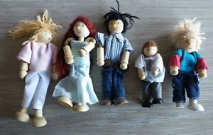 Doll House Family Dolls Small Wooden Toy Set Figures Dressed Toys
