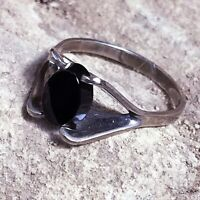 Size 6 Vintage Dainty Black Onyx Sterling Silver Ring MCM Simple Minimalist Jet