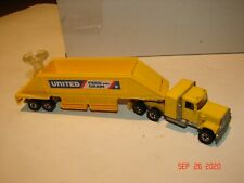 1980 HOT WHEELS Steering Rigs UNITED FEED AND GRAIN Rig in YELLOW Hong Kong