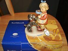 Hummel Puppy Pause Figurine #2032 w/Box - Disney Goebel Celebration w/Medallion