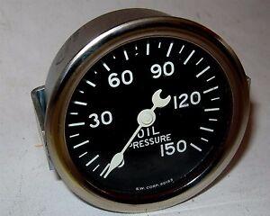 NOS Stewart Warner Oil Pressure Gauge Crescent Needle Curved Glass Lens SEALED!!