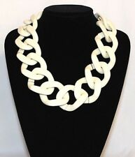 NEW EXPRESS WHITE CHAINED NECKLACE: GOLD/WHITE