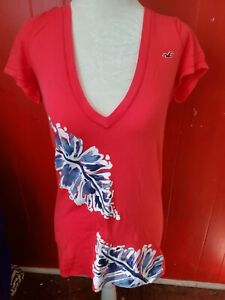 Hollister Women's Junior Medium Pink W/Leaves T-shirt
