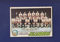 New York Islanders Team CL (Unmarked) 1977-78 O-PEE-CHEE OPC Hockey #81 (EXMT)