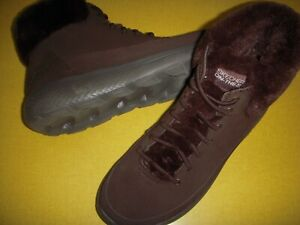 Skechers Winter Chill Suede Water Resistant, Bungee Lace Boots Women's 8 M Brown