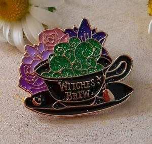 Witches Brew Pin Badge, Halloween Brooch, Halloween Badge, Cauldron Badge