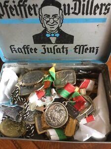 Dachbodenfund 40 Wander Medaillen in alter Blechdose siehe Bilder