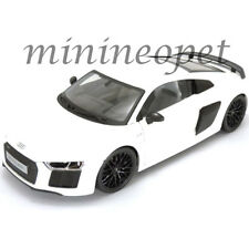 MAISTO 38135 EXCLUSIVE EDITION AUDI R8 V10 PLUS 1/18 DIECAST MODEL CAR WHITE