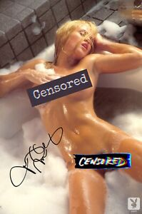 Jenny McCarthy Nude Autographed Signed 8.5 X 11 Photo ( Santa Baby ) REPRINT