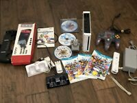 Non-Working Nintendo Lot: Wii, Wind Waker HD, New Super Mario U, Controllers