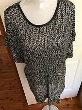 Ladies Plus Size XL ( 16-18) Black And White Heavy Mesh Short Sleeve Tunic Top