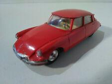 Corgi Citroen DS 19 rouge 1/43