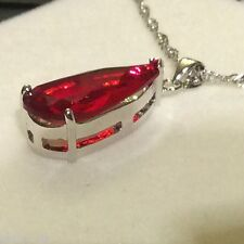 P156 Plum UK Grande Rosso Rubino Cristallo Ciondolo & Catena Argento (WHITE GOLD GF) in scatola