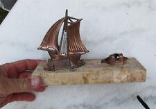 Ancien  voilier sur plaque de marbre avec  thermometre et  porte photo
