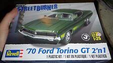 REVELL 1970 FORD TORINO GT 2n1 1/25 Model Car Mountain KIT FS