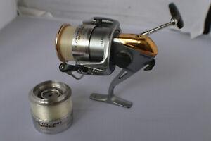Very Nice SHIMANO BAITRUNNER 3500 Spinning Fishing Reel w/ 1 Extra Spool