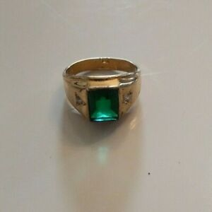 Vintage Men's Ring Faux Diamond & Emerald White Green Gold Tone Fashion Jewelry