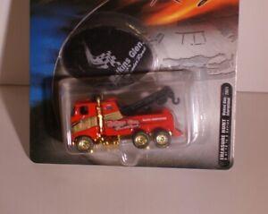 Hot Wheels Racing Treasure Hunt  Tow Truck NASCAR Watkins Glen Speedway 2001