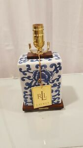 Ralph Lauren Blue and White Table Lamp / Chinese Porcelain Lamp