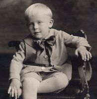 081920 VINTAGE RPPC REAL PHOTO POSTCARD LITTLE BLONDE BOY IN BUSTER BROWN SUIT