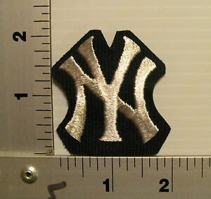 1970's NEW YORK YANKEES VINTAGE EMBROIDERED PATCH (CUT)