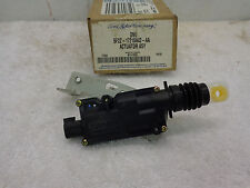 FORD OEM NEW 5F2Z-17218A42-AA Actuator Assembly Freestar Monterey RH Door Lock