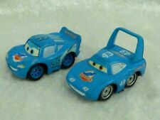 Disney Pixar Voiture CARS MINI DINOCO THE KING MC QUEEN PLASTIQUE (5,5cm x 3cm)