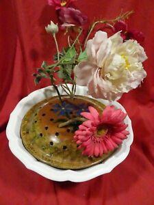 lot coupe blanche ancienne GIEN et pique fleur terre cuite offert