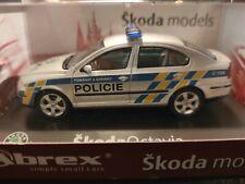 Skoda Octavia Polizei 1:43 Abrex OVP (040)