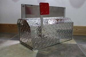 Heavy Duty Aluminum Diamond Plate 16 Gauge Mailbox Small Size with Name Plate