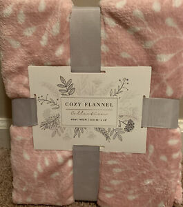 """New Cozy Flannel Collection 50"""" X 60""""  Home Throw Pink And White Floral Print."""