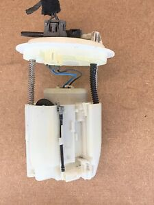2007-2011 DODGE CALIBER JEEP PATRIOT COMPASS FUEL PUMP 05105074AC OEM