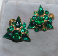 Stunning Emerald Green Glass Rhinestone Gold tone Screw Earrings Vintage 2g 100